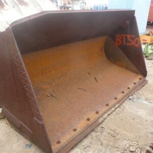 2.6m wide Loader Bucket