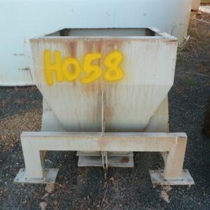 Discharge Hopper 750mm(L) x 750mm(W) x 850mm(H)