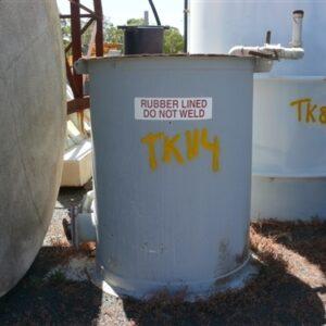 2,100L Rubber lined Tank/Hopper