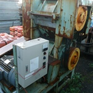 Chipper suitable for plastics or timber