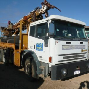 International Truck with slewing crane